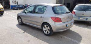 Peugeot 307 berlina turbo diesel 2.0 radio clima sedili in pelle volante in pelle e cerchi in lega Anno 2002 - revisionata manutenzione completa kit distribuzione frizione e volano nuovi. Motore garantito Prezzo 3500 - escluso passaggio