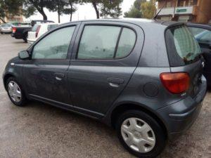 Vendita Yaris 5 porte 1000cc anno 2005 - 180.000 km, prezzo € 3500 passaggio compreso - Spaca - Modica, Ragusa.